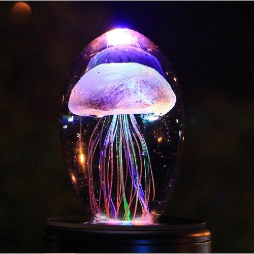 Необычный ночник с медузой внутри